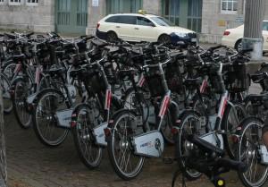 Bahnhof_Mobilo_BikeSharing_Raeder